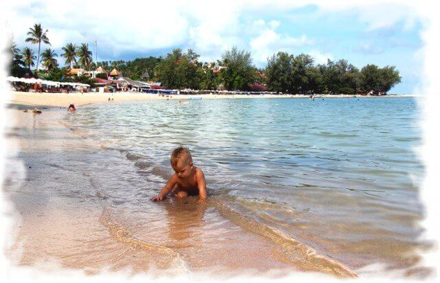 Pattaya and Koh Lan have many good beaches for children